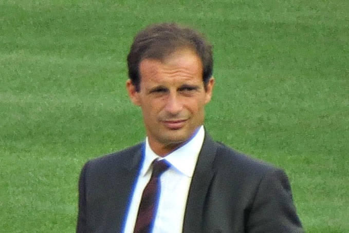 Massimiliano Allegri fonte foto: Di Photo by goatlingCropped by Danyele - Flickr (original photo), CC BY-SA 2.0, https://commons.wikimedia.org/w/index.php?curid=43735258