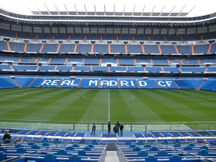 Santiago Bernabeu, Stadio del Real Madrid, fonte By uggboy - http://www.flickr.com/photos/uggboy/4170259823/, CC BY 2.0, https://commons.wikimedia.org/w/index.php?curid=10846874