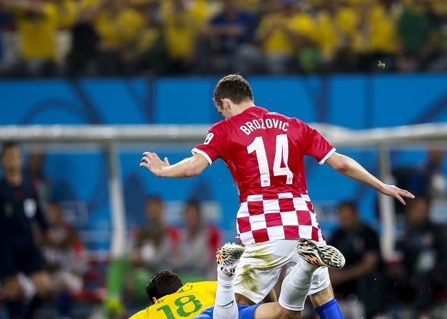Brozovic fonte foto: Di copa2014.gov.br - Brazil beat Croatia in World Cup opening match, CC BY 3.0, https://commons.wikimedia.org/w/index.php?curid=33393711
