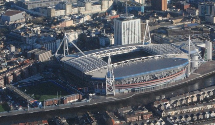 Millennium Stadium, Cardiff, fonte By Clint Budd - From Flickr, CC BY 2.0, https://commons.wikimedia.org/w/index.php?curid=45170501