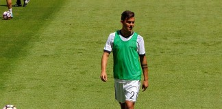 Paulo Dybala, Juve, fonte Di Leandro Ceruti from Rosta, Italia - juve 6 leggenda, CC BY-SA 2.0, https://commons.wikimedia.org/w/index.php?curid=59296963