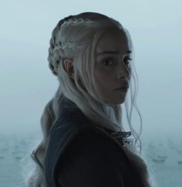 Daenerys Targaryen (Emilia Clarke) in Stormborn, Game of Thrones 7x02, fonte screenshot youtube