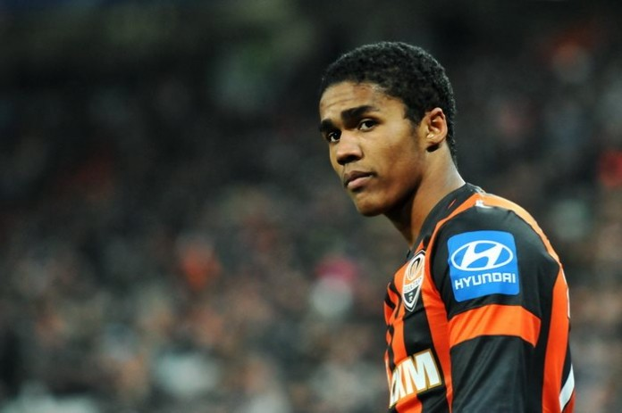 Douglas Costa fonte foto: Di Football.ua, CC BY-SA 3.0, https://commons.wikimedia.org/w/index.php?curid=41317543