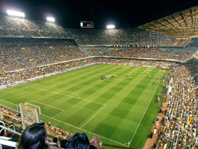Stadio Mestalla, Valencia, fonte By Tot-futbol - Own work, CC BY-SA 3.0, https://commons.wikimedia.org/w/index.php?curid=16224595