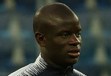 N'Golo Kanté, fonte By Кирилл Венедиктов - https://www.soccer.ru/galery/1042075/photo/718659, CC BY-SA 3.0, https://commons.wikimedia.org/w/index.php?curid=71195273