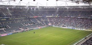 Borussia Park, stadio Borussia Mönchengladbach By Sascha Brück - Uploaded by the photographer, CC BY-SA 3.0, https://commons.wikimedia.org/w/index.php?curid=179904