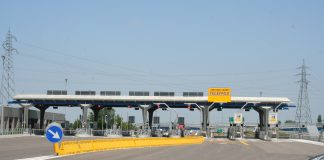 Casello autostradale, fonte Wikipedia, contrassegnate per essere riutilizzate