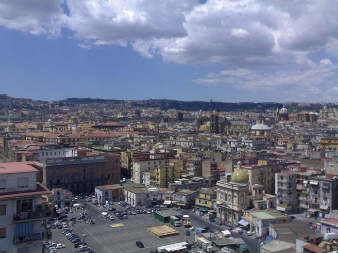 Piazza Mercato, Napoli, fonte Di Maurizio Rea - sono l'autore, CC BY-SA 3.0, https://commons.wikimedia.org/w/index.php?curid=87574930