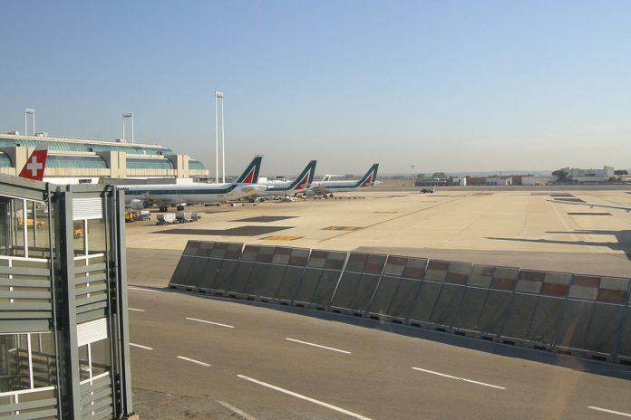 Aeroporto di Fiumicino, fonte By DV - Own work, CC BY-SA 3.0, https://commons.wikimedia.org/w/index.php?curid=25161310